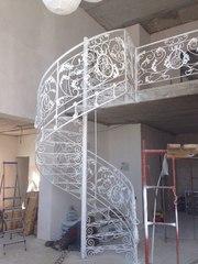 Кованные изделия,  лестницы,  предметы интерьера